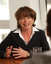 Prof. Dr. Claudia M. Riehl